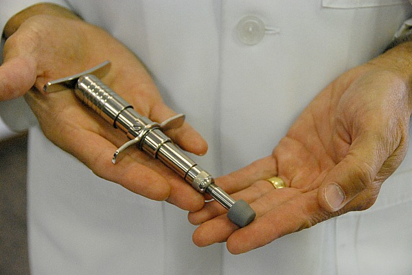 activator adjusting instrument