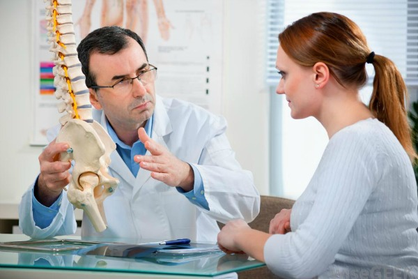 medical vs chiropractic risks