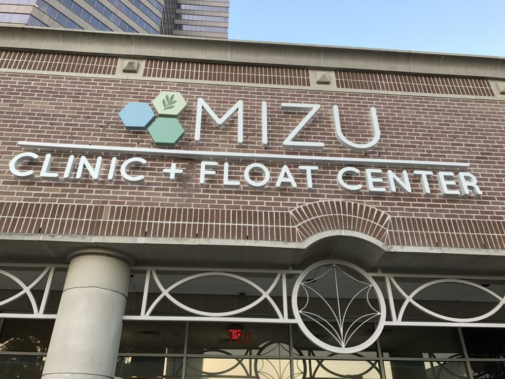 mizu float center review